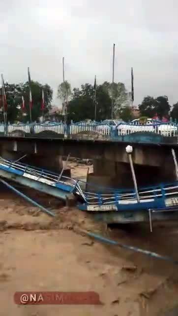 لحظه شکستن پل تالش زیر سیلاب|فیلم